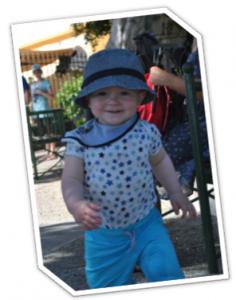 Henry - confiant langage des signes pour bébé bebeblabla.fr